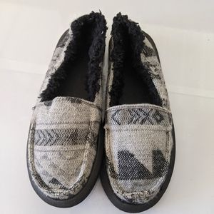 Fleece lined sanuk shoes - size 6